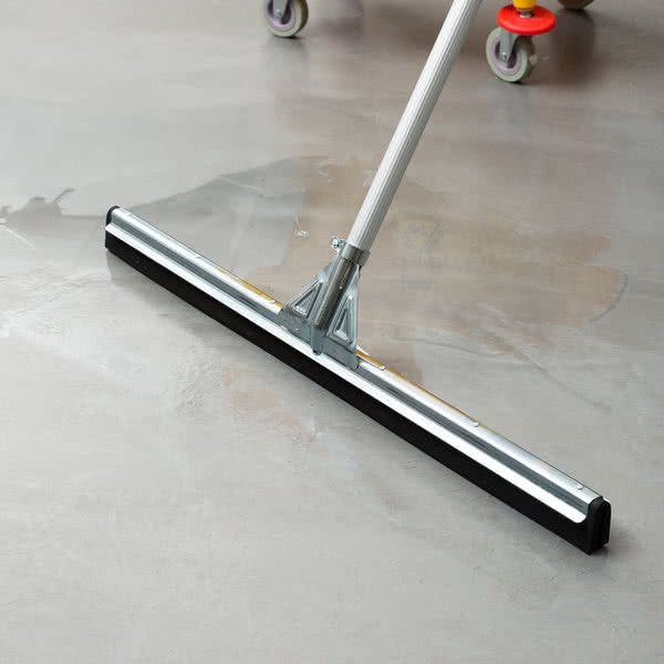 Boss Heavy Duty Black Rubber Moss Floor Squeegee In Boss